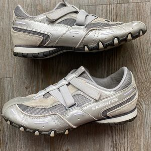 SKECHERS | Athletic Velcro Shoe
